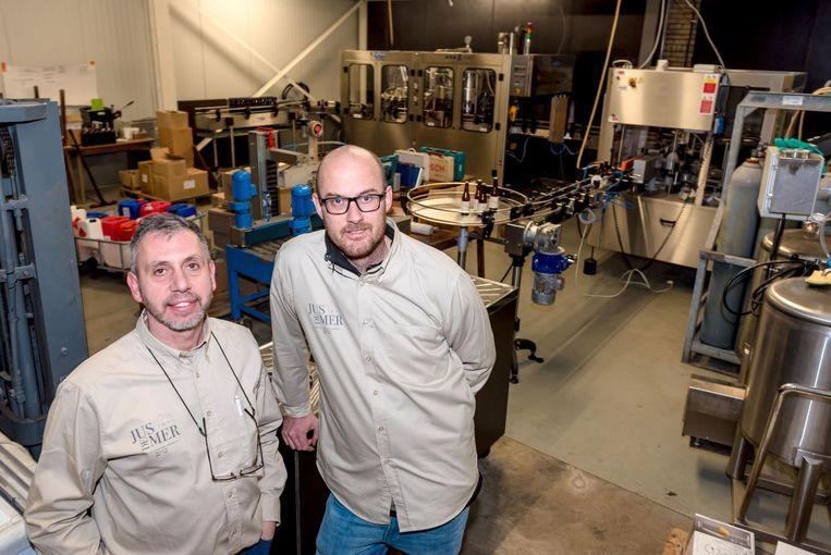 Bart Mortier en Alexander Verlinde in de brouwzaal.