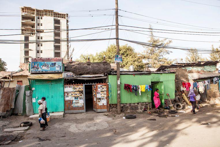 Tachtig procent van de binnenstad van Addis Abeba bestaat uit huizen zonder stromend water en riolering  Beeld Yvonne Brandwijk