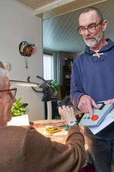 Onrust over alarmknop voor ouderen; vrijwilligers 'onbeschoft' aan de kant gezet
