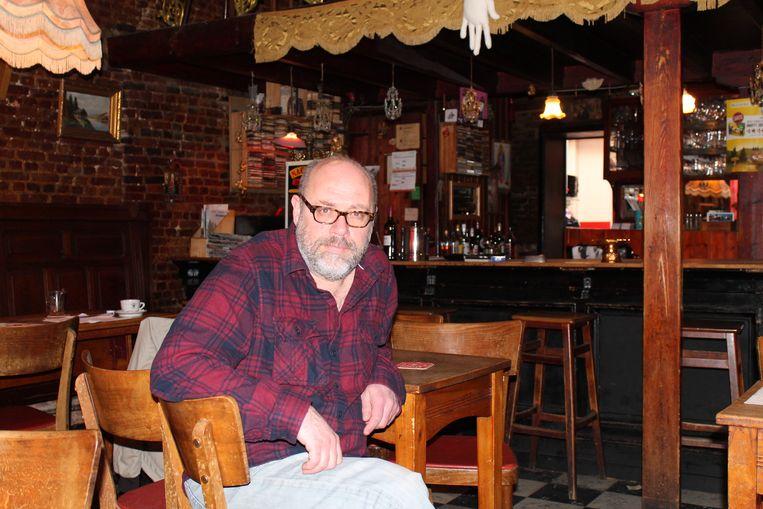 Peter Borghs is na een burn-out opnieuw aan de slag in zijn café 't Goed Voorbeeld.