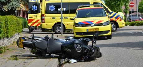 Motorrijder slingert tuin in na ongeluk in Etten-Leur