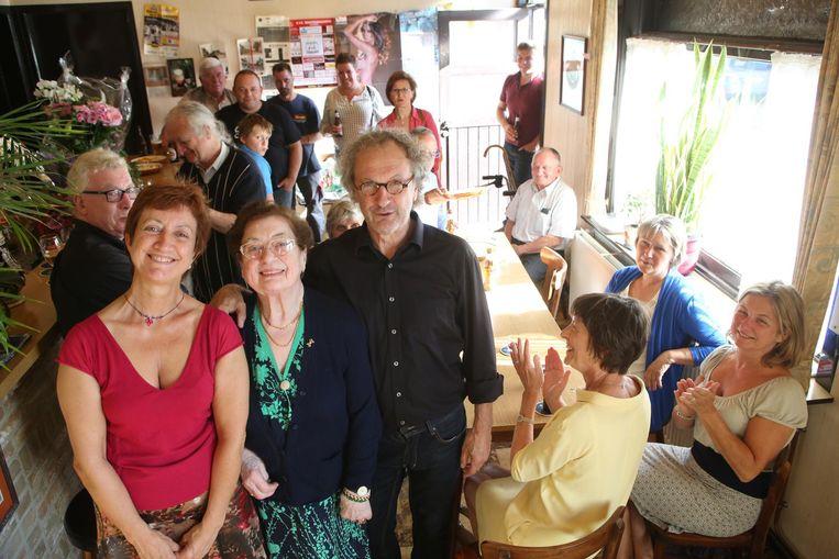 Jacqueline op het feest voor haar 85ste verjaardag in haar café In Den Keizer in juli 2014.