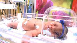 Baby geboren in VS op 9/11 om 9u11 weegt... 9 pond 11 ons