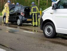Vrouw gewond bij kop-staartbotsing in Bornerbroek