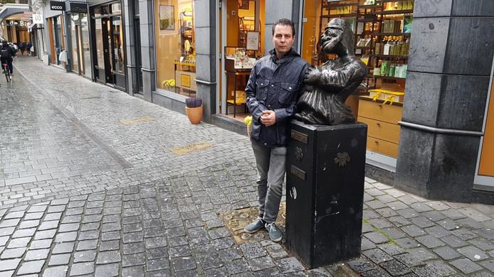 Ronald Oerlemans is Oelie d'un Hofnar af. Hij vindt zijn 'ontslag' door stichting Kielegat niet terecht.