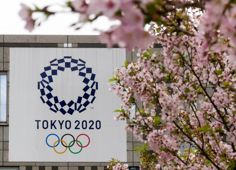 De Olympische Spelen werden vorige week uitgesteld wegens de wereldwijde uitbraak van het coronavirus. Beeld EPA