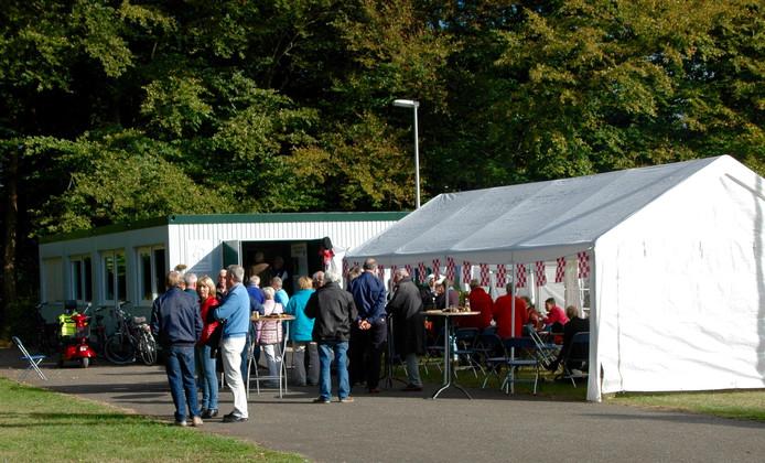 Het nieuwe verenigingsgebouw is in gebruik genomen op de open dag van Onsenoort.