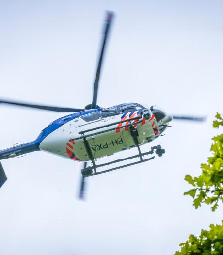 Man na zoektocht met honden en politiehelikopter gearresteerd bij Hilversums bedrijfspand