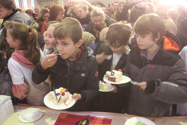 Het publiek genoot van de lekkere taart.