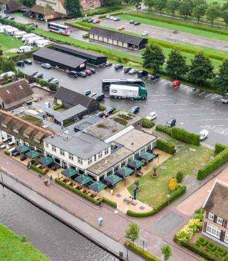 Giethoorn eert 'meester Henkel' met een plein