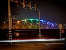 IJsselbrug in regenboogkleuren tegen Nashville-verklaring