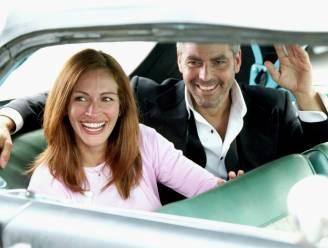 """Zo overtuigde George Clooney Julia Roberts om mee te spelen in 'Ocean's Eleven': """"Met een briefje van 20 dollar"""""""