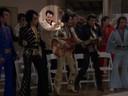 Quentin Tarantino als Elvis-imitator in een aflevering van The Golden Girls