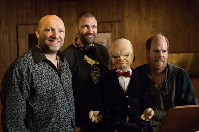 Theo Maassen met de hoofdrolspelers uit 'Billy'.