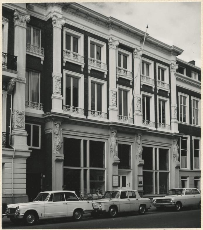 Het Postmuseum in de Zeestraat.