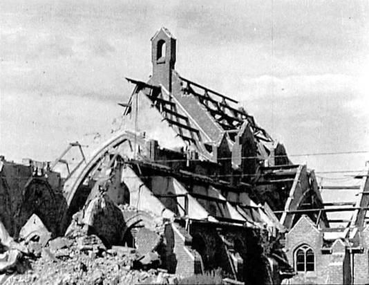 De kerk van Haalderen in puin