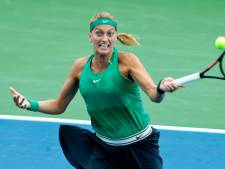 Kvitova vecht zich langs Mertens en staat in halve finales