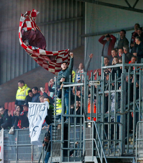 De spanning was overal voelbaar in stadion De Braak in Helmond
