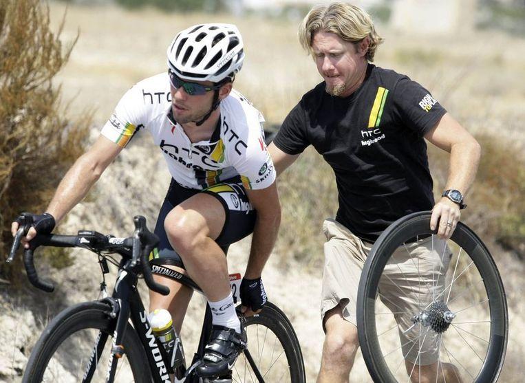 Cavendish eerder in deze Vuelta met materiaalpech. Beeld reuters