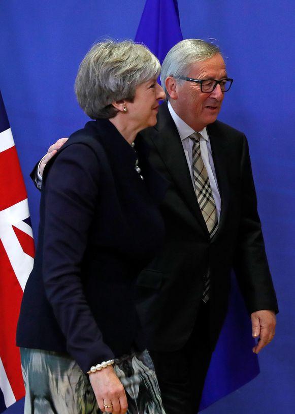 Europees Commissievoorzitter Jean-Claude Juncker en de Britse premier Theresa May.