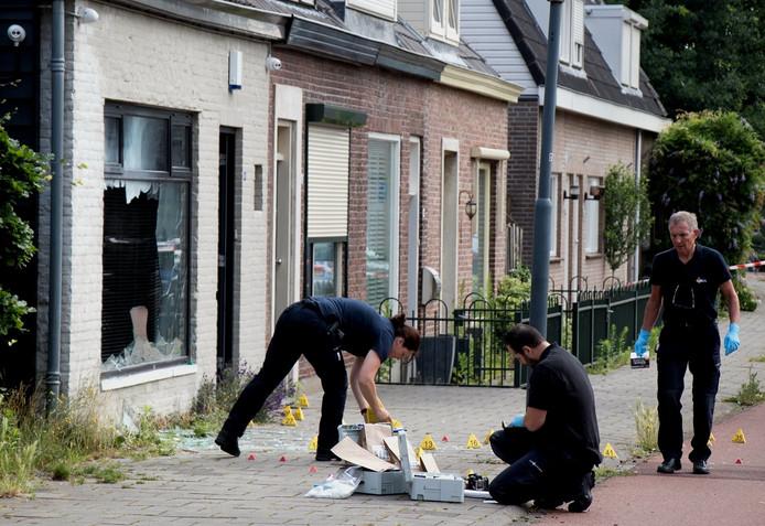 De schade aan het pand aan de Sint Elisabethstraat in Vught waar een inmiddels prominent ex-Satudarah-lid woonde was groot.