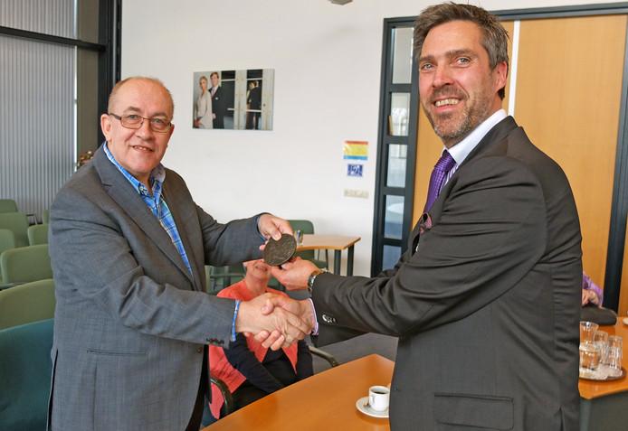 Henk Kwakernaat (links)