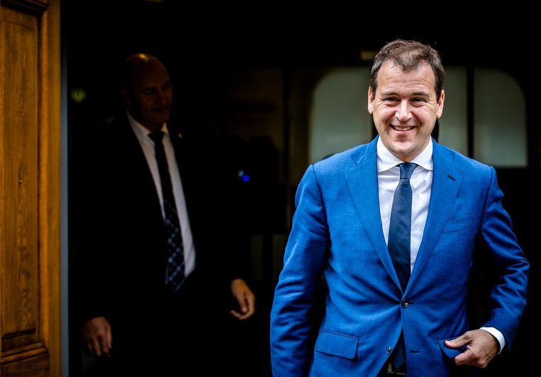 Lodewijk Asscher: 'We hebben verschillende voorstellen. De SP zegt: je moet de pensioenleeftijd verlagen. Wij willen lagere inkomens helpen met eerder stoppen met werken.' Beeld ANP
