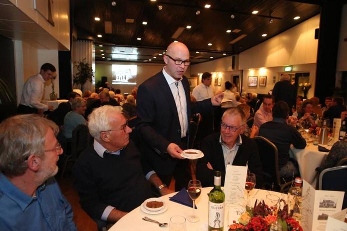 Restaurant-Brasserie Korderijnk vierde gisteren het 100-jarig bestaan met een culinaire reis-door-de-tijd.