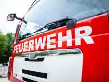 Grote brand in stro- en hooiopslag in Duitse Wehr zorgt voor geuroverlast in Limburg