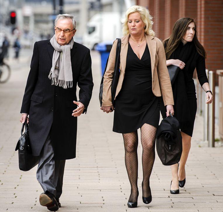 Oud-wethouder Jos van Rey met zijn advocate Gitte Stevens in mei bij de rechtbank in Rotterdam. Beeld anp