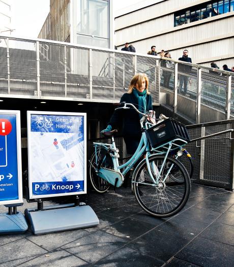 Fietsers met krat geweigerd bij fietsenstalling Utrecht Centraal