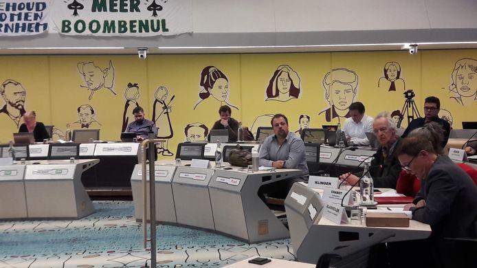 Vergaderen in de raadszaal is er in Arnhem nog even niet bij, ten tijde van de coronacrisis. Nu stelt burgemeester Marcouch de gemeenteraad voor om digitaal te gaan vergaderen.
