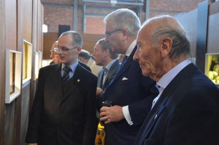 """Naar aanleiding van het vijftigjarig jubileum kreeg Betta Prins Laurent op bezoek voor de tentoonstelling. """"De prins toonde veel interesse"""", zegt voorzitter Van Aken."""