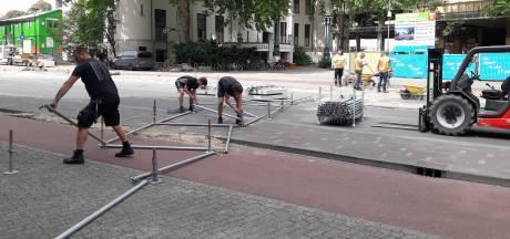 Straatbeeld: Binnenstad dicht, opbouw Tilburgse kermis gestart