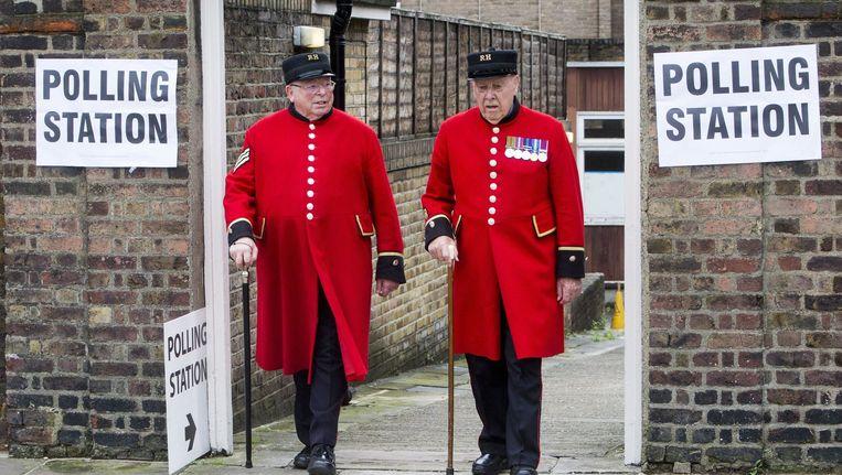 Gepensioneerde soldaten uit het Royal Hospital Chelsea hebben hun stem uitgebracht. Beeld photo_news