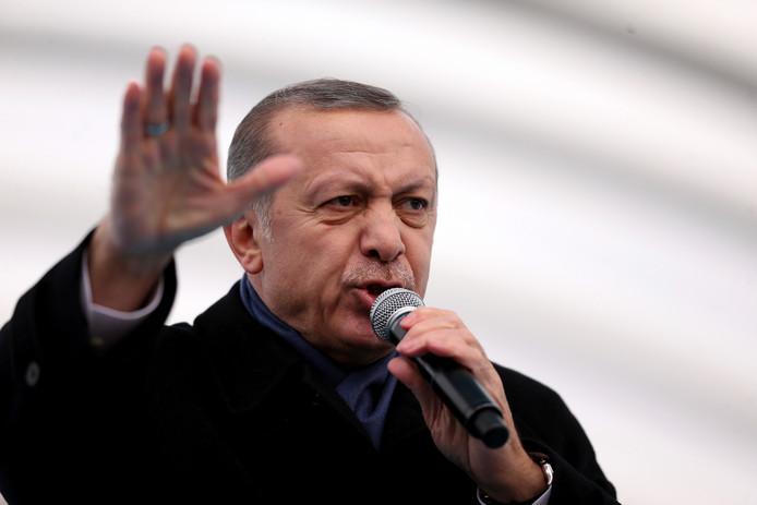 De Turkse president Recep Tayyip Erdogan wil Amerikaanse elektronica weren.