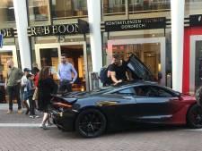 Wijkagent reageert op kritiek om niet bekeuren foutgeparkeerde Rico Verhoeven: 'Ik heb gewoon die bevoegdheid'