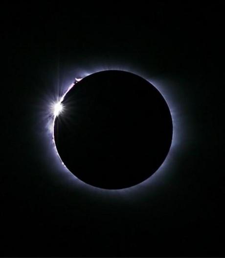 Kijk live mee met de totale zonsverduistering in de VS