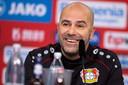 Peter Bosz bij zijn presentatie bij Bayer Leverkusen.