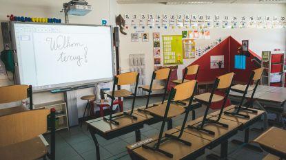 """""""Gentenaars, kom helpen in de scholen, anders lukt het niet"""": Stad hoopt op solidariteit voor heropening scholen op 18 mei"""