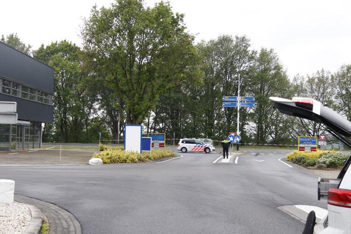 Politie doet onderzoek na schietpartij op bedrijventerrein De Flammert in Bergen.
