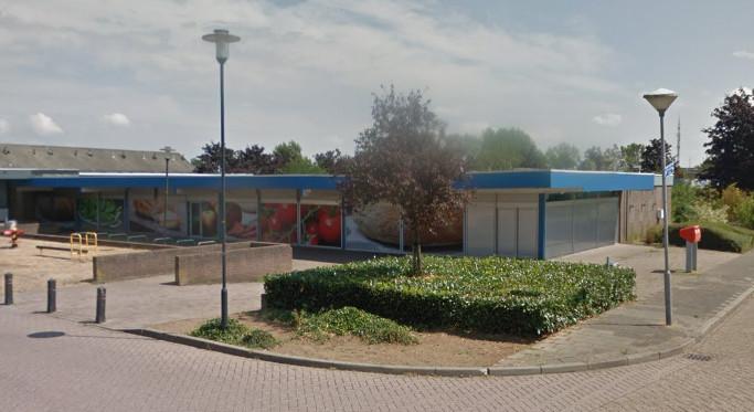 Het pand in de wijk oost in 's-Heerenberg waarin de supermarkt van Albert Heijn gevestigd was.