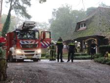 Rietgedekt hotel Hoog Holten ontruimd na afgaan rookmelder, geen brand ontdekt