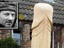 'Houten penis in tuin beledigend voor agent'