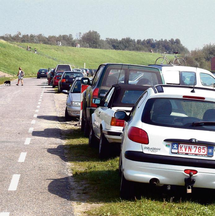 'Nadenken over de inrichting van de toegangswegen naar de kust' is een van de adviezen van bureau Juust aan de gemeente Sluis.