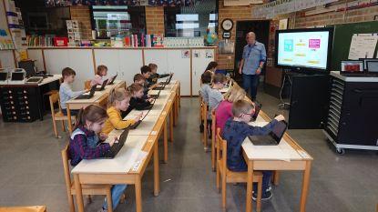 Oudercomité school Wildenburg investeert in 24 nieuwe laptops