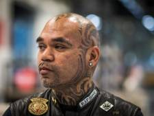 Alex Latumahina vertelt in bieb Eindhoven: 'Zet een tattoo niet in een opwelling'