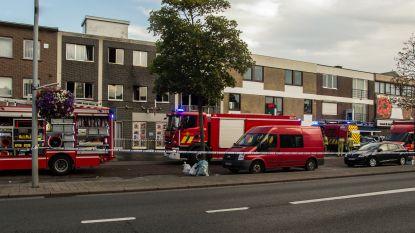 Vrouw (36) in levensgevaar na sprong uit brandend gebouw