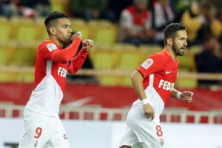 Falcao, hier met Moutinho, viert zijn doelpunt tegen Angers.