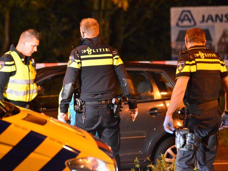 Meisjes (14 en 15) zwaargewond na botsing met auto op kruispunt in Breda